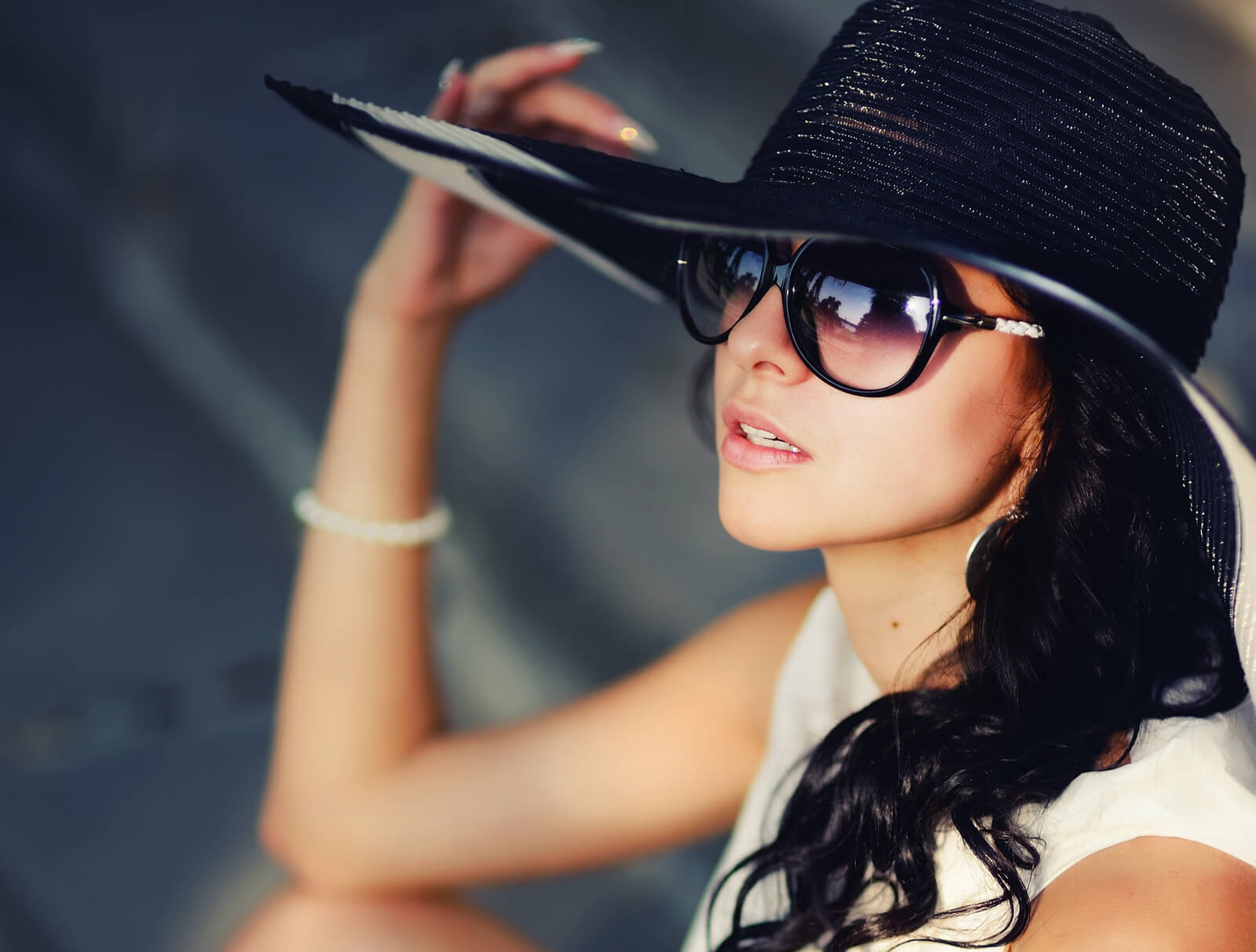 Black Hat with Glass